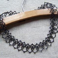 Modèles frivolité - patrons gratuits frivolité aux navettes ou frivolité à l'aiguille - modèles bijoux marque-pages napperon