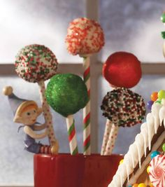 Yummy Christmas cake pops from @Wilton Cake Decorating Cake Decorating Cake Decorating! #simplycreativechristmas