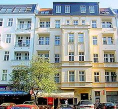 Berlin Family Hotels- Our picks of the best places to stay in Berlin with kids! Choose from holiday apartments and hotels! Berlin With Kids, Holiday Apartments, Family Travel, Cool Kids, The Good Place, To Go, Multi Story Building, Mansions, House Styles