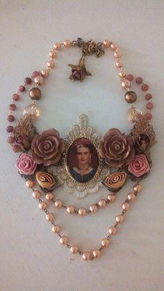 Collar Frida Kahlo#diseñado por Deseos Divinos#GuadalajarafridaMore Pins Like This At FOSTERGINGER @ Pinterest
