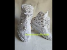 Crochet Bag Tutorials, White Ankle Boots, Crochet Shoes, Baby Boots, Cross Stitch, Slippers, Couture, Sneakers, Alaska