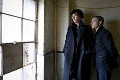Still of Martin Freeman and Benedict Cumberbatch in Sherlock