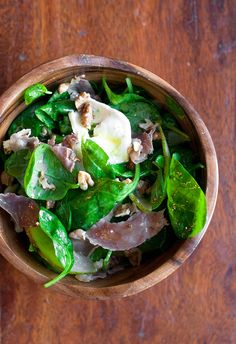 Spinach and Pear Salad with Prosciutto