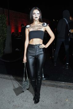 Victoria Justice attends the Just Jared Halloween Bash Scary Halloween Costumes, Halloween Party, Halloween 2018, Halloween Ideas, Halloween Face, Taylor Swift Fan, Funny Sexy, Just Jared, Halloween Disfraces