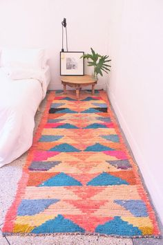 8 Cheap Things to Maximize a Small Bedroom (READ MORE) winter cold has me laid up // wrapping up a Mike Birbiglia & Billy on the Street marathon-- y'all have any other recs. Up House, Modern Rugs, Unique Rugs, Geometric Rug, Cool Rugs, Delft, Rugs In Living Room, Rug Runner, Colorful Rugs