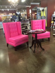 Merveilleux Amazing Pink Leather Wing Back Chairs!