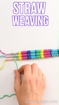 Straw weaving is such a fun craft idea! It's a great summer craft for camps and . - Straw weaving is such a fun craft idea! It's a great summer craft for camps and an awesome craft - Diy Crafts For Tweens, Fun Diy Crafts, Fun Crafts For Kids, Diy For Kids, Wood Crafts, Teen Summer Crafts, Kids Fun, Easy Yarn Crafts, Teen Girl Crafts