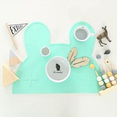 MINTY GREEN // Our placies come in six gorgeous colours: pure black snow white powder pink grey powder blue and the oh-so-popular minty green  Check out the range on our website. Link in bio  Gorgeous flatlay by @teaching.talan