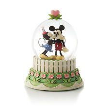 Hallmark 2012 A Kiss for Mickey Water Globe - Disney's Mickey & Minnie - CLX2007