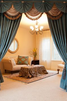 Fans over traditional swags - sumptuous detail
