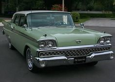 1959 Ford Galaxie Town Sedan- 332V8 Retro Cars, Vintage Cars, Antique Cars, Vintage Auto, Ford Motor Company, Pontiac Cars, Old Fords, Ford Fairlane, Car Ford