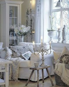 39 ideas for living room white design shabby chic French Country Living Room, Living Room White, White Rooms, French Country Decorating, Shabby Chic Farmhouse, Shabby Chic Cottage, Shabby Chic Homes, Farmhouse Style, Rustic Chic