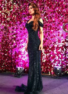 mouni roys serpentine grace at lux golden rose awards 2017 Mouni Roy Hot and Sexy Photos, Mouni Hot Wallpapers, Mouni Sexy Posters Mouni Roy Dresses, Lengha Dress, Sequin Party Dress, Fancy Sarees, Bikini Pictures, Western Outfits, Beautiful Indian Actress, Indian Wear, Indian Beauty