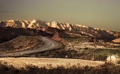 Road in the mountains wallpaper