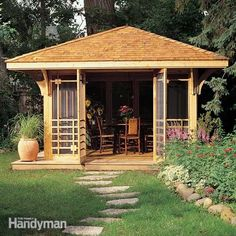 Inspired by classic north woods cabins, this cedar screen house is the perfect summer hangout. Complete plans and detailed how-to photos show everything. Diy Pergola, Building A Pergola, Pergola Ideas, Landscaping Ideas, Pergola Roof, Building Plans, Pergola Decorations, Hillside Landscaping, Cheap Pergola