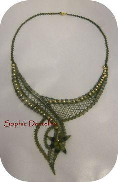 Lace Necklace, Lace Jewelry, Jewelery, Bobbin Lace Patterns, Lacemaking, Lace Heart, Needle Lace, Crochet Accessories, Wool Yarn