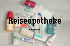 ‣ Welche Medikamente solltest du mit in den Urlaub nehmen? • Was solltest du beachten? • Eine Reiseapotheke Checkliste zum Ausdrucken für den Urlaub.