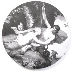 Størrelse: Ø37 x 1,5 Motiv: Renæssance, Venus og Adonis Farve: sort, hvid, grå - monochrome Kunstmaler: Abraham Bloemaert (1566 - 1651) Maleri: Udsnit af Venus og Adonis, 1632 Design: Statens Museum for Kunst www.houseofbk.com