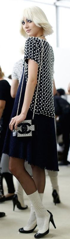 Chanel Spring/Summer 2014 – Evelina Szamszoncsik V Style Work, My Style, Moda Chanel, Chanel Couture, Chanel Fashion, Fashion Show, Fashion Design, White Fashion, Dress To Impress