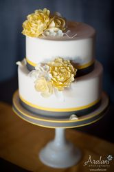 Yellow, white, and grey #wedding #cake....always a favorite color combination.