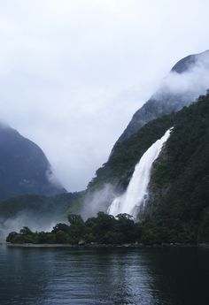 c0caino:    (Waterfall at Milford Sound) by adymace