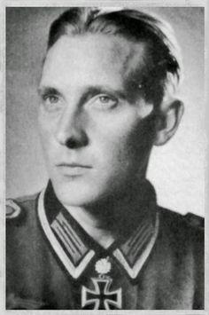 ✠ Ernst Kruse (1 October 1915 - 5 October 1944) RK 06.10.1942 Oberfeldwebel Zugführer i. d. 7./Pz.Gren.Rgt 3 3rd Panzer – Division [245. EL] 17.05.1943 Oberfeldwebel Zugführer i. d. 7./Pz.Gren.Rgt 3 3rd Panzer – Division
