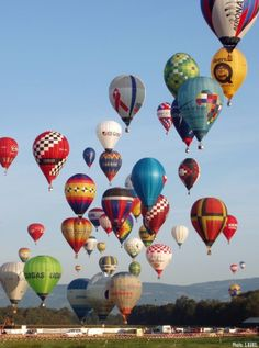 Hot air balloons ~ OK I'll settle for just going to a festival if I can't actually hitch a ride.