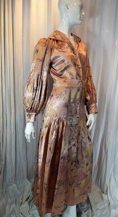 28 waist size medium 1940s dressing gown mod floral dress vintage maxi dress cotton house dress 40s loungewear black and white retro