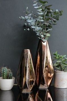 Geometrics are in and these gorgeous vases are no exception. So chic.