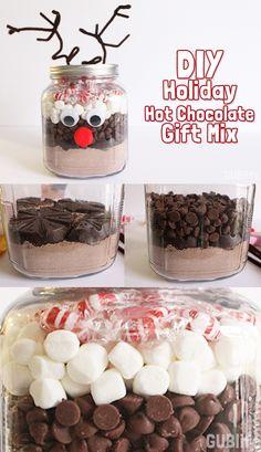 Adorable DIY holiday gift hot chocolate mix idea!
