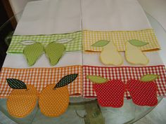 dishcloths with applications Dish Towels, Hand Towels, Tea Towels, Embroidery Applique, Embroidery Patterns, Quilting Projects, Sewing Projects, Patch Aplique, Guest Towels