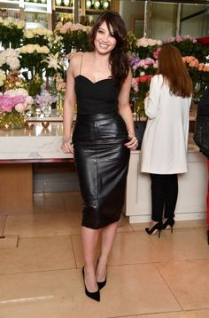 How To Wear Black Leather Skirts 2017