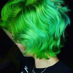 Iris Green by Arctic Fox Hair Color ~ Pastel Green Hair, Bright Hair, Colorful Hair, Ombre Hair Color, Cool Hair Color, Hair Colors, Hair Inspo, Hair Inspiration, Life Hacks Hair