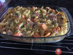 Zapekané cestoviny so syrom a smotanou Pasta Salad, Macaroni And Cheese, Meat, Chicken, Ethnic Recipes, Pizza, Food, Crab Pasta Salad, Mac And Cheese