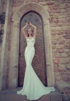 Slim cut Mermaid Wedding Dress