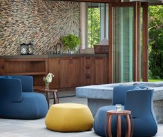ANN SACKS starburst stone mosaic (designer: Lara Taylor Interior Design)