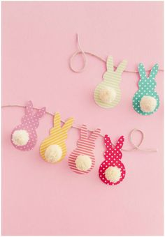 This colorful Easter garland is so easy to make with scrapbook paper and yarn! B… This colorful Easter garland is so easy to make with scrapbook paper and yarn! Both kids and adults will love making this together. Easter Crafts For Kids, Diy For Kids, Fun Crafts, Easter Ideas, Candy Crafts, Decor Crafts, Children Crafts, Crafts With Yarn, Diy Easter Cards