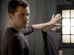 There is nothing.. I mean nothing I love more than Joshua Jackson and some Fringe.