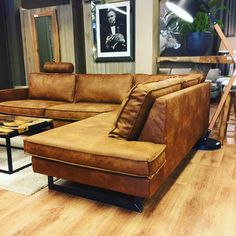 Q Punto hoeksalon M-leder Kentucky 1199 The post Q Punto hoeksalon M-leder Kentucky 1199 appeared first on Upholstery Ideas. Leather Furniture, Sofa Furniture, Living Room Sofa, Living Room Decor, Sofa Cognac, Leather Couch Sectional, Tan Leather Sofas, Best Leather Sofa, Sofa Design
