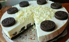 Oreo cheesecake without baking, prepared in 30 minutes - Germany Rezepte Ideen Oreo Cheesecake, Cheesecake Recipes, Oreo Biscuits, No Bake Treats, Vanilla Flavoring, Oreo Cookies, Food Cakes, No Cook Meals, Bakery