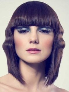 In this page, you can read the article about various medium length haircuts of 2011. They are still hot! Many photos to give you the look you have been searching for, hopefully.