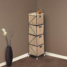 Preciosa estantería de mimbre natural para almacenar tus cosas de forma ordenada. Quedará genial en una esquina o en cualquier rincón de tu hogar. Es ligera y fácil de mover. Diseño original e ideal para combinar con el resto de muebles de tu casa. Medidas: 45x28x75cm (LxAnxAl). Puedes comprarla online enhttps://www.aosom.es/hogar/estanteria-metal-estantes-20x20x78cm-4-cajones-cesta-mimbre-almacenamiento-nuevo.html con envíos gratis a España y Portugal en 24h/48h.