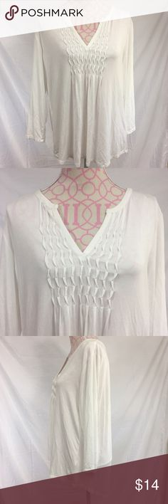 Melissa Paige Top Size XL Melissa Paige white top Excellent condition  Size XL Bust approximately 40 inches  Length approximately 26 inches  95% viscose/5% spandex Melissa Paige Tops Blouses