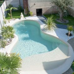 Having a pool sounds awesome especially if you are working with the best backyard pool landscaping ideas there is. How you design a proper backyard with a pool matters. Small Swimming Pools, Small Backyard Pools, Backyard Pool Landscaping, Small Pools, Swimming Pools Backyard, Swimming Pool Designs, Outdoor Pool, 8 Pool, Landscaping Ideas