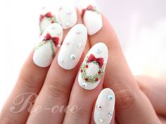 Xmas wreath nails
