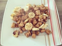 #sweettofu for #breakfast  Einfach #tofu gut anbraten und mit #zimt #vanille und #FlavDrops abschmecken. Ich hab noch ne #Banane in die Pfanne geschnippelt... leeeecker  #startyourdayright #dubistwasduisst #highprotein #yummy #vegi #vegan #lowcarb #breakfastlover #frühstück #frühstücksliebe #nomnomnom #foodporn #hatteauchnichtgedachtdassichmaltofuzumfrühstückesse  by _ally_pirelli_