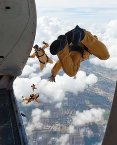 Im ready to do my first triathlon with these guys opening the show! US Army Golden Knights