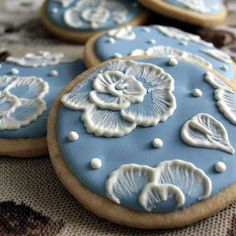 blue & white floral cookies