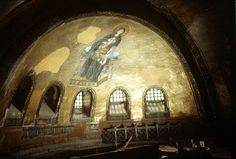 Virgin and Child enthroned, oblique view in Hagia Sophia, Photographer Ernest Hawkins. Hagia Sophia, Byzantine Architecture, Art And Architecture, Meditation Prayer, Byzantine Art, Religious Images, Cathedral, Restoration