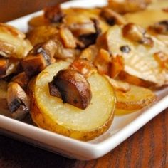 Here's a delicious Cheesy Au Gratin Potato recipe that includes bacon and mushrooms for added flavor.